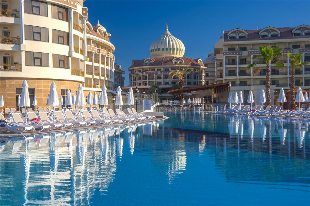 Kirman Belazur Resort & Spa